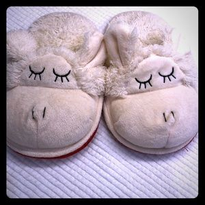 Other - Adorable animal fuzzy slippers.